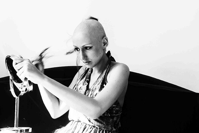 marine de nicola chanteuse chine toulouse cancer